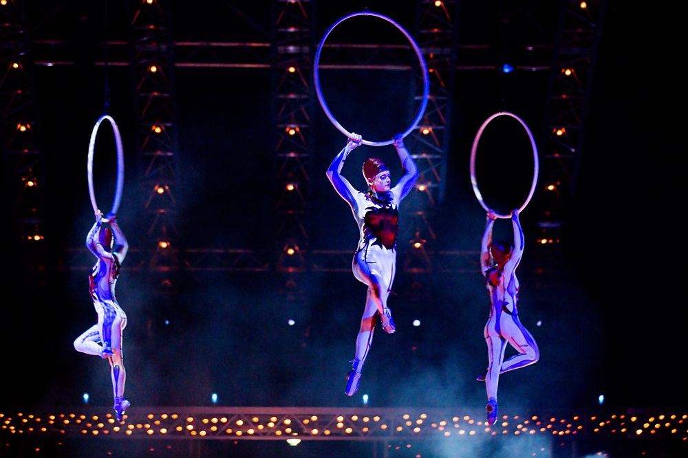 Cirque du Soleil performers on stage